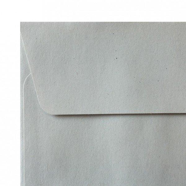Sobre americano sin ventana de papel reciclado