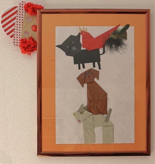 Origami con papel y sobres impresos reciclados cuadro