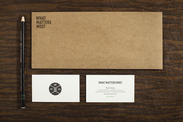 tendencias para el diseño de tus sobres impresos minimalista
